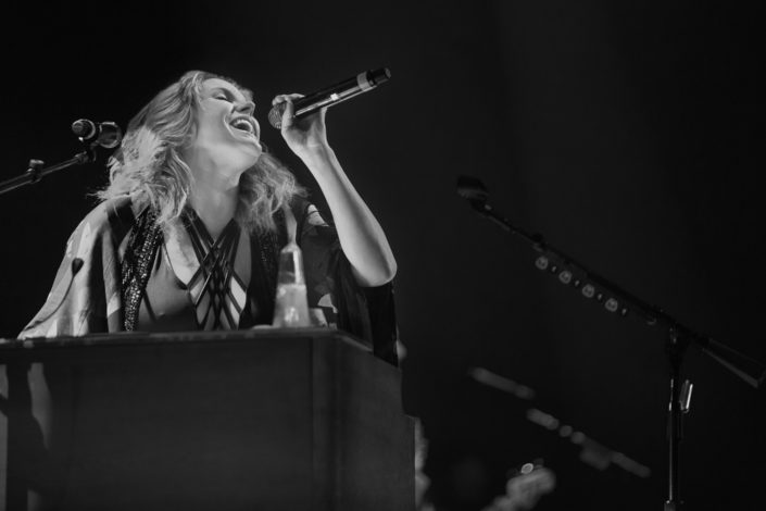 location photography, concert photography, music photography, musician, female singer, female musician, concert, grace potter, concert venue, venue photography